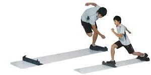 LDHのジムでの 「スライドボード」というトレーニング